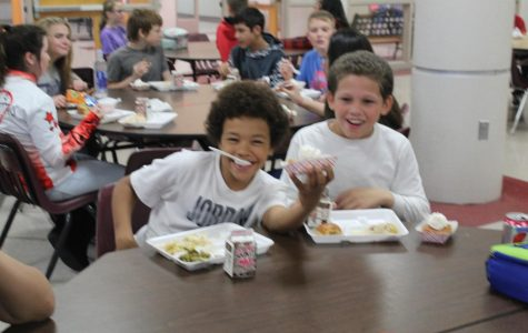 DMS students celebrate Thanksgiving