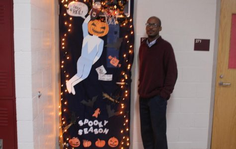 Lockhart's class wins door decorating contest