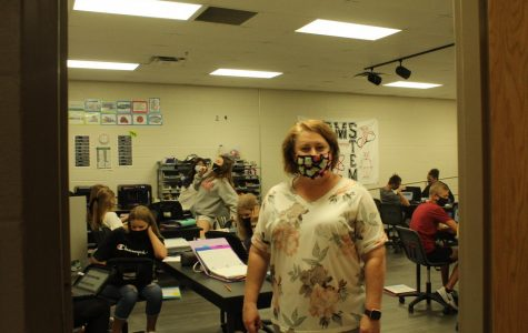 Rosie Castle and her STEM students continue to learn in the face of the ongoing pandemic. Castle is one of many teachers at DMS who have virtual students this school year.