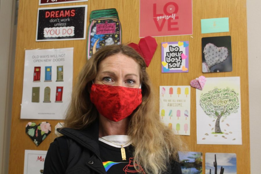 Barbra Davis is one of several Duncan Middle School teachers who received a DEx Award last year. The grant program is open again for this school year.