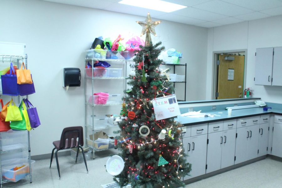 The Giving Tree in STEM reminds students of the holiday season.